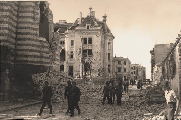 Fotografii dupa bombardamentul orasului Constanta din 1941 in timpul celui  de-al doilea razboi mondial - Amras